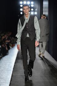 FW13-Milan-Mens-Black-Gold-catwalk-30