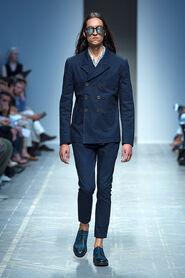 SS13-Milan-Mens-Black-Gold-catwalk-21