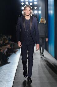 FW13-Milan-Mens-Black-Gold-catwalk-03