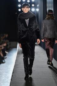 FW13-Milan-Mens-Black-Gold-catwalk-20