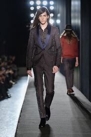 FW13-Milan-Mens-Black-Gold-catwalk-10