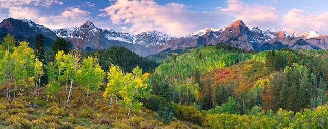File:Mountains 3.jpg