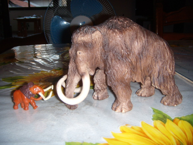File:Manny and the woolly mammoth.jpg