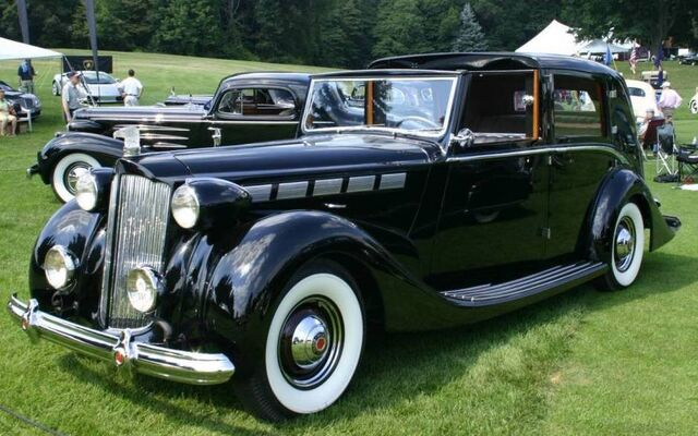 File:1938 Packard Towncar.jpg
