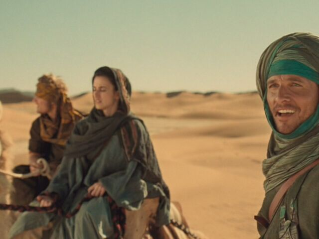 File:Matthew-McConaughey-in-Sahara-matthew-mcconaughey-13862893-1067-800.jpg