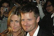 200px-Jennifer Aniston and Steve Zahn Faces Red Carpet for Premiere of Management