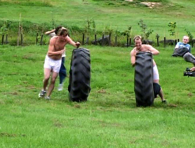 File:Tirerace.png