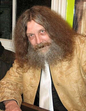 468px-Alan Moore (2)