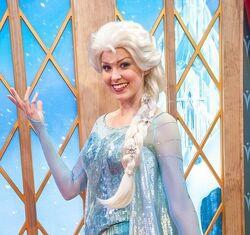 Elsa disneyland