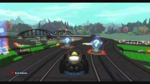 DISNEY INFINITY- Super Fun Track (Featured Toy Box)