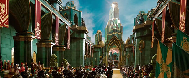 File:The Entrance to The Emerald City from Oz The Great and Powerful.jpg