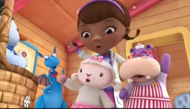 File:Doc, stuffy, lambie and hallie singing.jpg