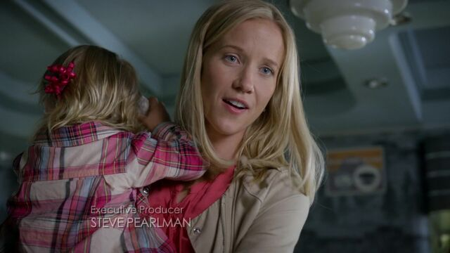 File:Once Upon a Time - 6x03 - The Other Shoe - Ashley.jpg