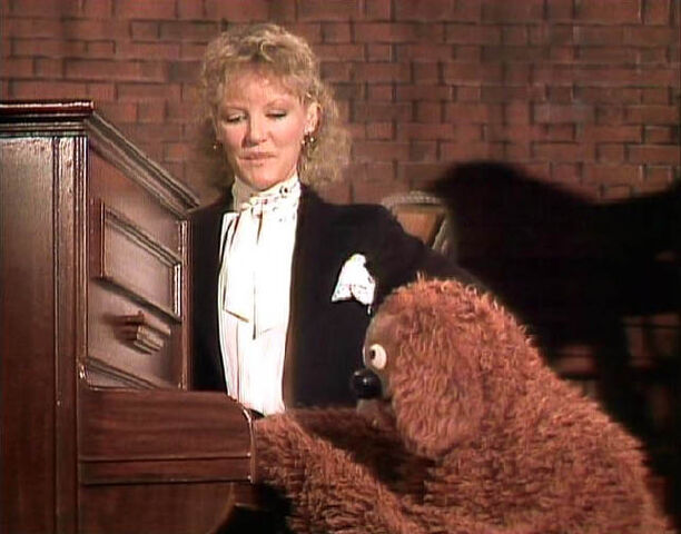 File:Rowlf and Petula Clark.jpg