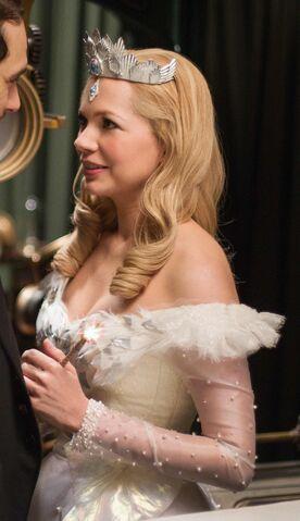 File:Glinda OZ G&P.jpg