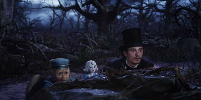 File:Oz the Great and Powerful 14.jpg
