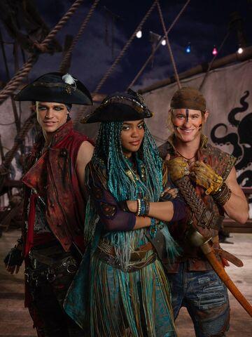 File:Harry, Uma and Gil.jpg