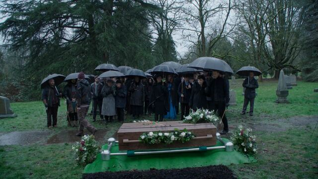 File:Once Upon a Time - 5x21 - Last Rites - Robin Funeral.jpg