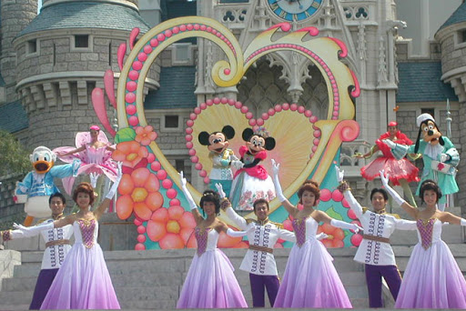 File:Mickey's Gift of Dreams.jpg