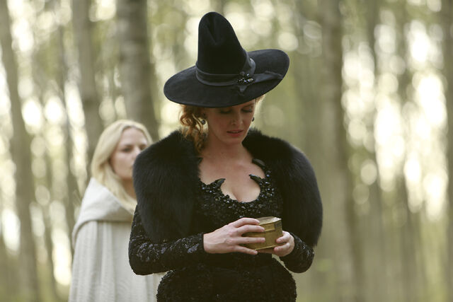 File:Once Upon a Time - 5x08 - Birth - Released Image - Zelena 4.jpg