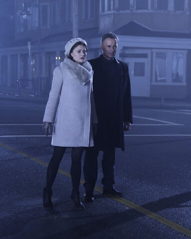 File:Once Upon a Time - 6x11 - Tougher Than the Rest - Photography - Gold and Belle.jpg