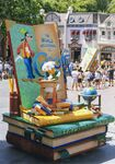Disney-Parade-Goofy-3