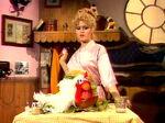 Bernadette-peters-chicken