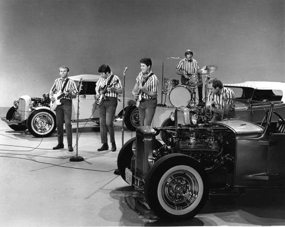 File:Sullivan Beach Boys.jpg