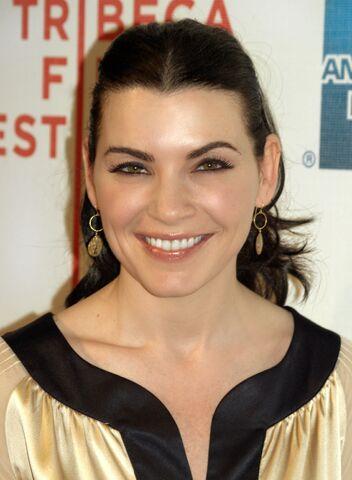 File:Julianna Margulies at the 2009 Tribeca Film Festival.jpg