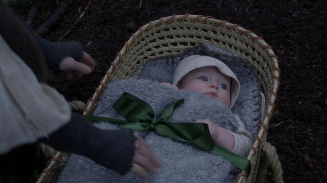 File:Once Upon a Time - 3x18 - Bleeding Through - Baby Zelena.jpg