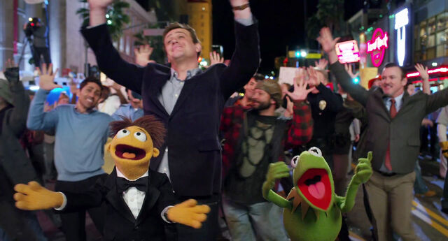 File:Muppets2011Trailer01-1920 56.jpg