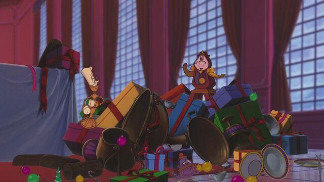 File:Beauty-beast-christmas-disneyscreencaps.com-2807.jpg