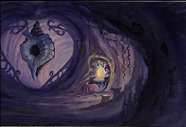 File:Ursula's vanity.JPG