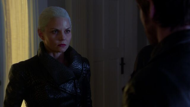 File:Once Upon a Time - 5x10 - Broken Heart - Dark Swan.jpg