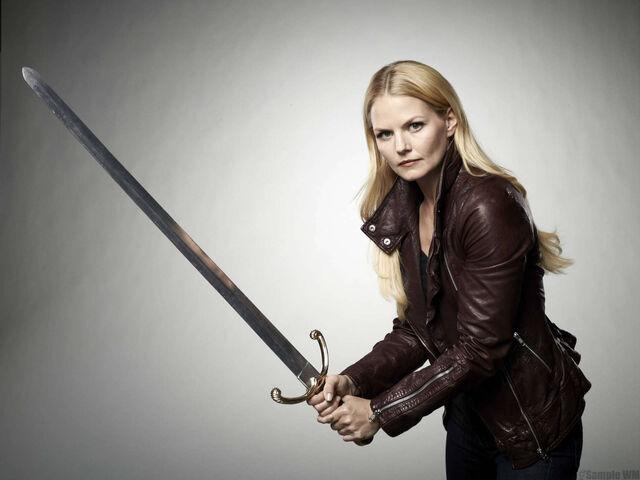 File:Emma Swan Season 2 With Sword 01.jpg