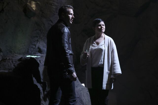 File:Once Upon a Time - 6x07 - Heartless - Photography - Snow and David 3.jpg