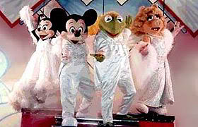 File:Walkaround Mickey, Minnie, Kermit, Piggy.jpg