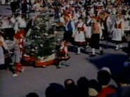1962-holiday-time-disneyland-08