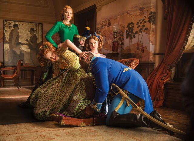 File:Anstasia-drizella-trying-on-the-shoe.jpg