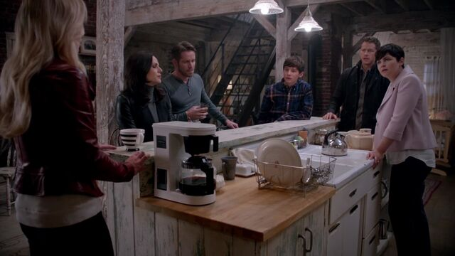 File:Once Upon a Time - 5x11 - Swan Song - Underworld Discussion.jpg