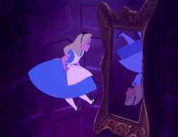 Alice-in-wonderland-22