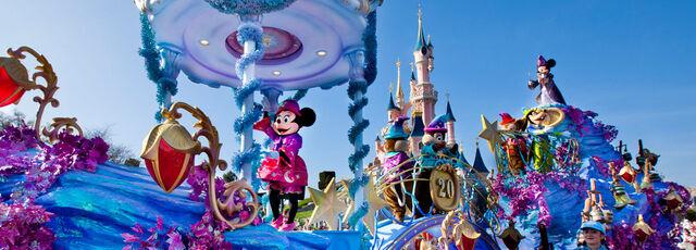 File:Disney-magic-on-parade image.jpg