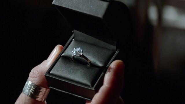 File:Once Upon a Time - 6x12 - Murder Most Foul - Engagement RING.jpg