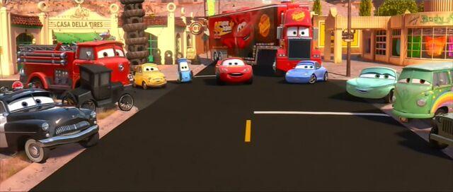 File:Lightning and friends hear Mater.jpg