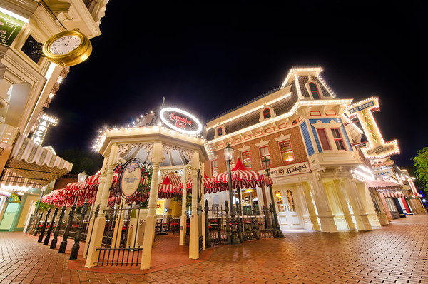 File:Carnation Cafe and Blue Ribbion Cafe before Blue Ribbion was removed.jpg