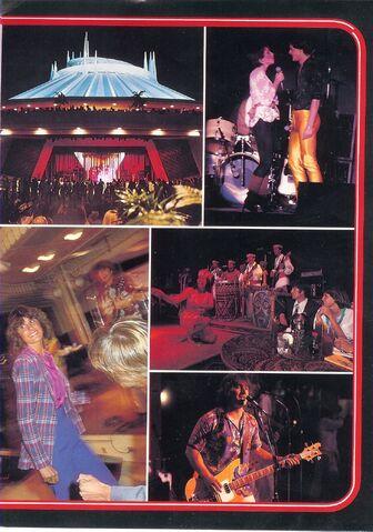 File:Gradnite82 booklet pic page right.jpg