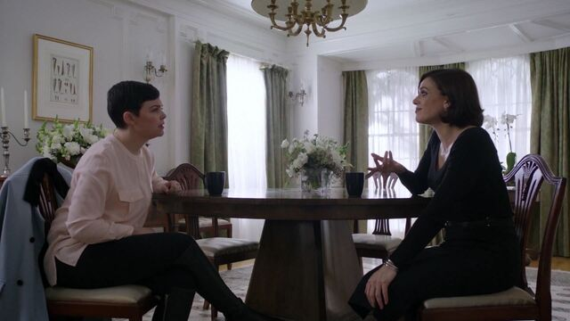 File:Once Upon a Time - 6x12 - Murder Most Foul - Snow and Regina.jpg