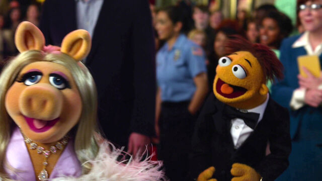 File:TheMuppets-(2011)-Finale-Piggy&Walter.jpg