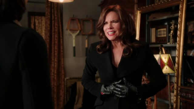 File:Once Upon a Time - 2x16 - The Miller's Daughter - Cora Dying.jpg