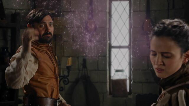 File:Once Upon a Time - 5x04 - The Broken Kingdom - Magic Dust on Guinevere.jpg